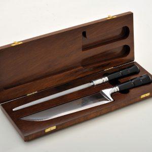 Estojo em madeira de lei com faca e chaira de 8″ chifre